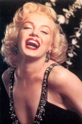 http://mythbusterbeauty.files.wordpress.com/2008/03/marilyn-monroe.jpg